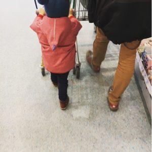 Vater und Sohn unterwegs