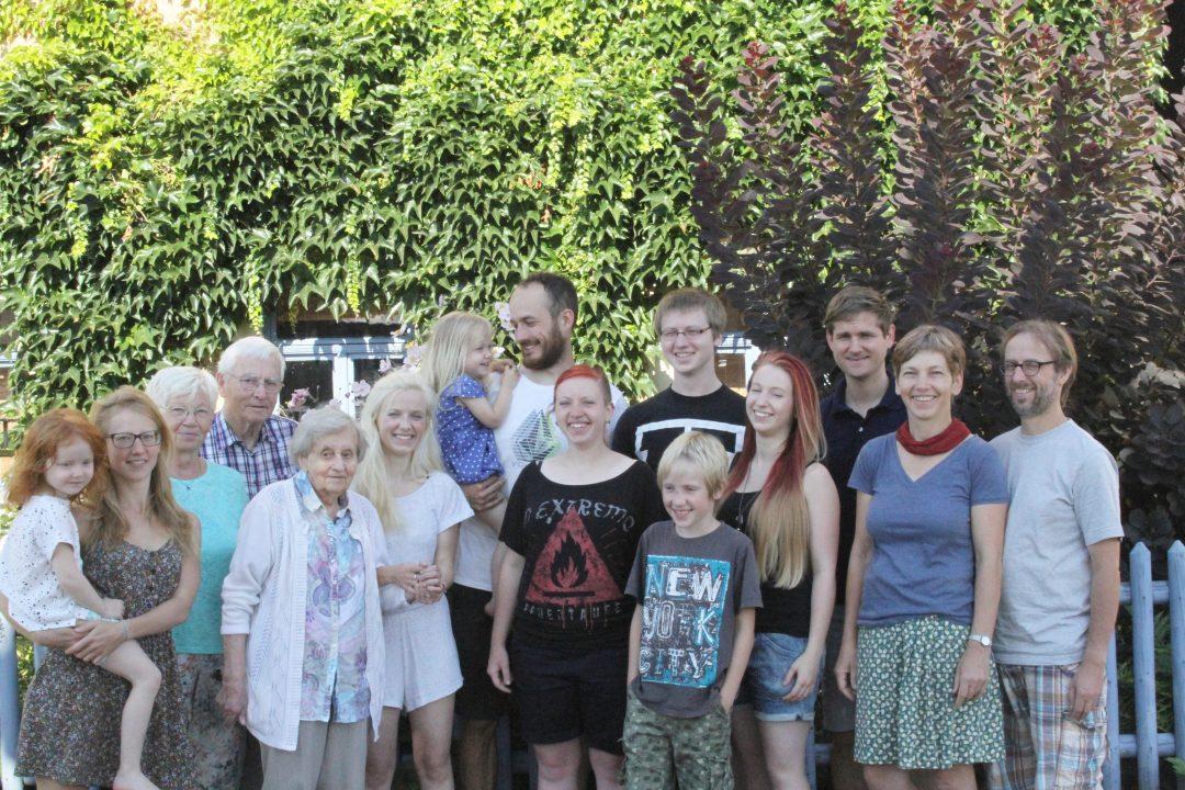 Sarah mit Großfamilie