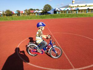 Kleiner Radfahrer